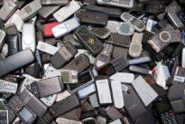Elektroschrott: Deutsche horten immer mehr Althandys