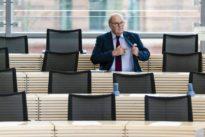 Rücktritt im Norden: Berichte mit Sprengkraft
