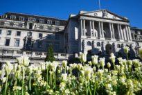Folgen der Corona-Pandemie: Britische Notenbank spielt tiefste Rezession seit 325 Jahren durch