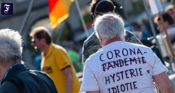 Beschränkungs-Gegner: Proteste gegen Corona-Maßnahmen in mehreren deutschen Städten